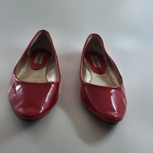 STEVE MADDEN RED LEATHER FLATS